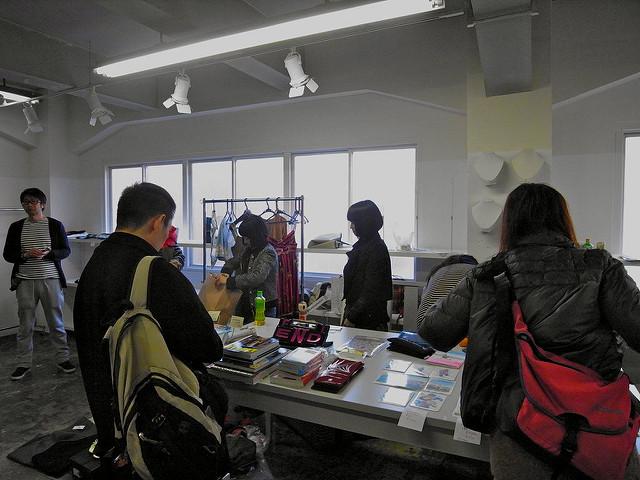 charity frea market, AVH, ANREALAGE