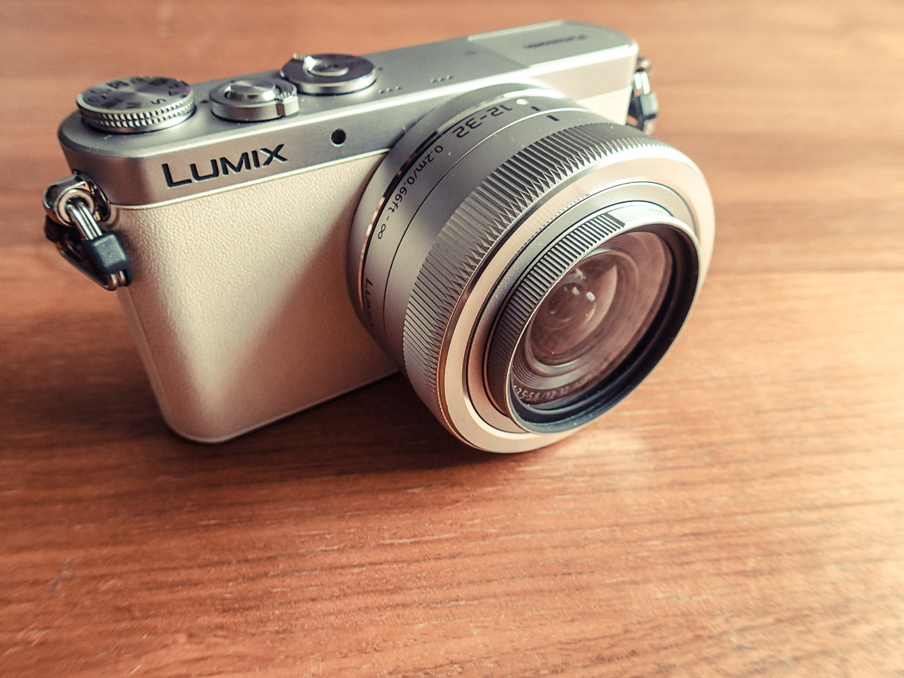 Panasonic LUMIX DMC-GM1K [ LUMIX GM ] を購入