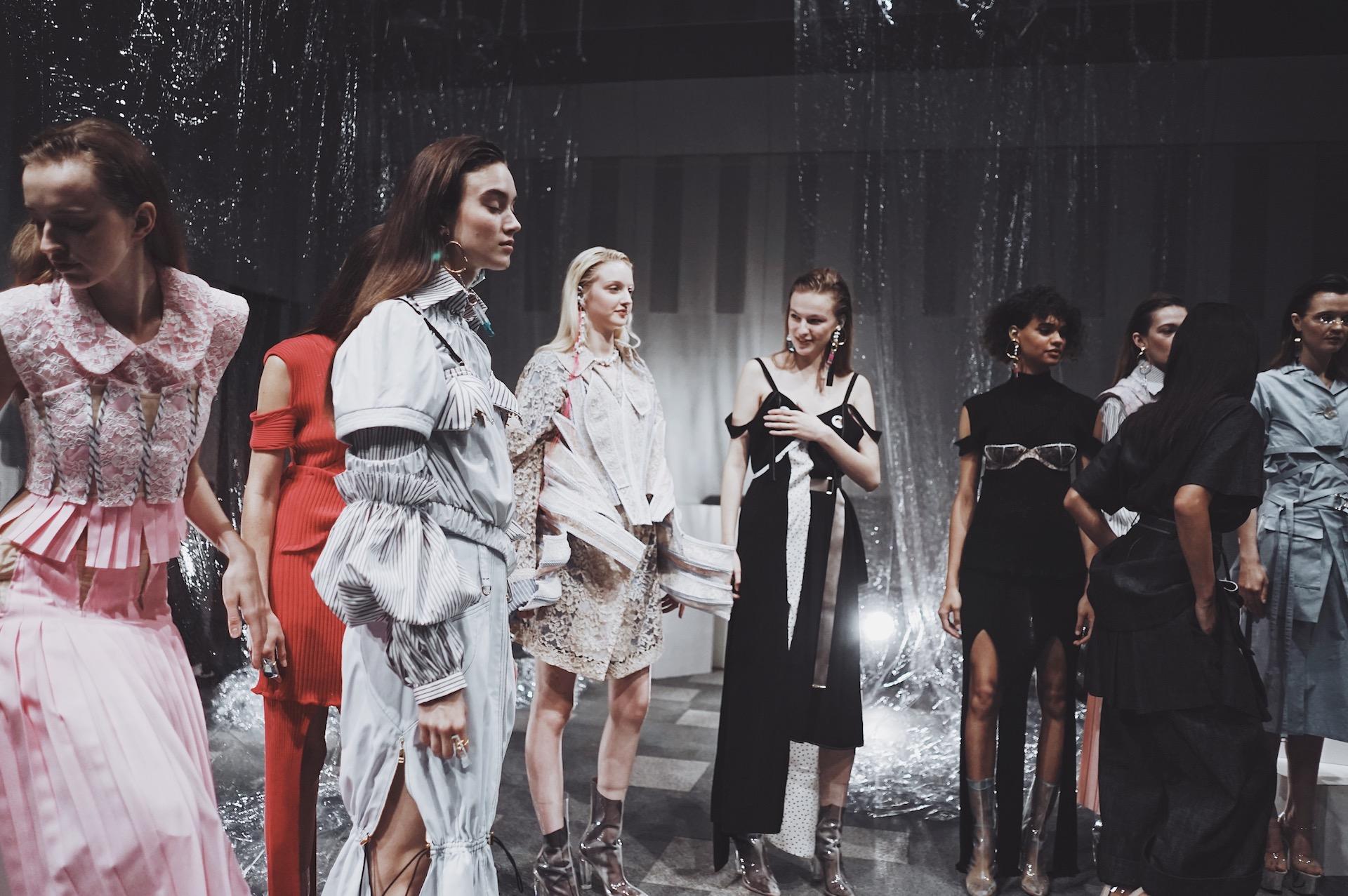 Fashionsnap.com「2018年秋冬 東京コレクションウィーク 特設サイト」